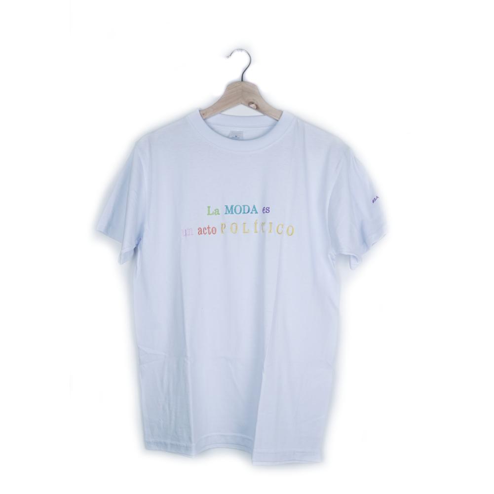 Camiseta La Moda Es Un Acto Político_3