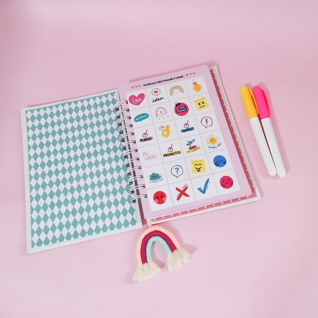 Cuaderno personalizado misioneras_3