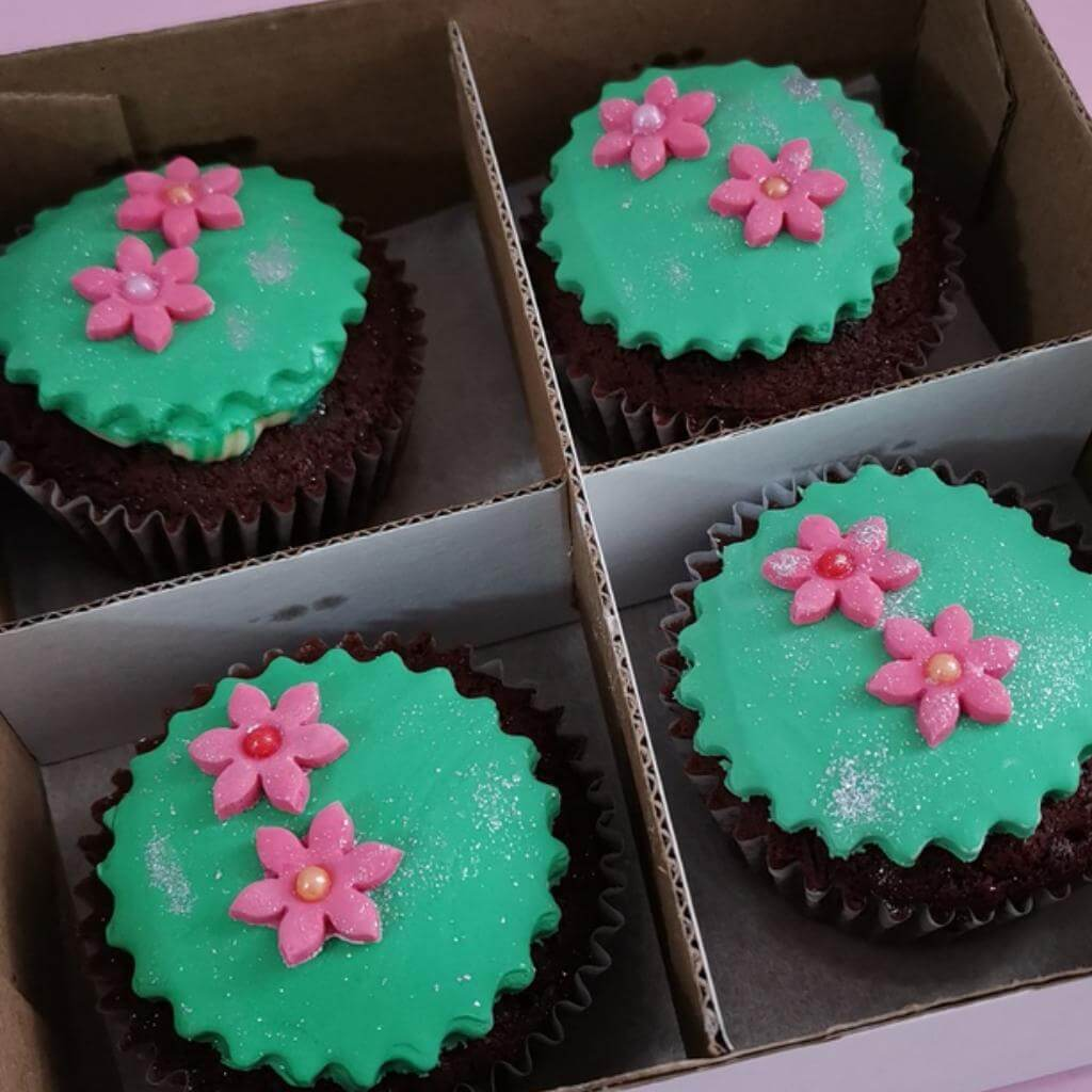 Caja 4 und cup cake red velvet - flor rosa_1