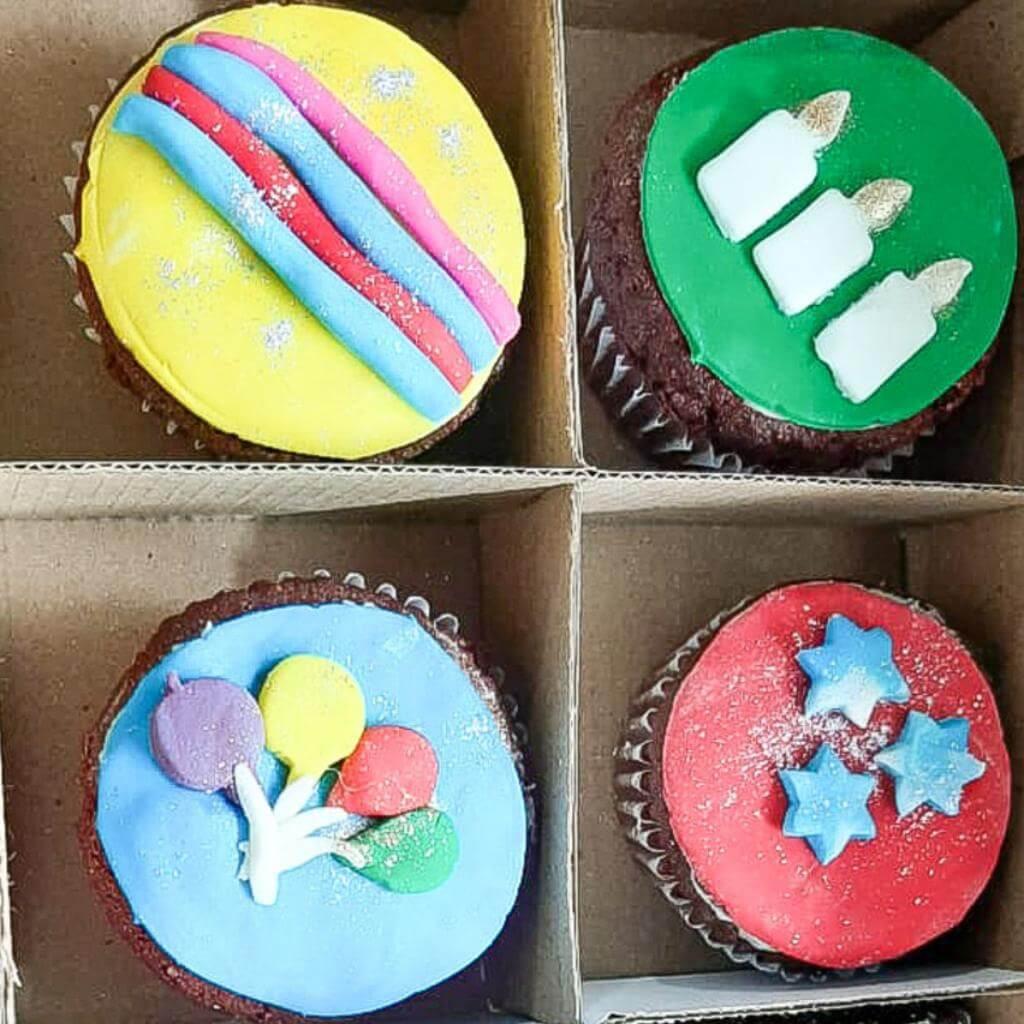 Caja 4 und cup cake red velvet Happy Birthday_1